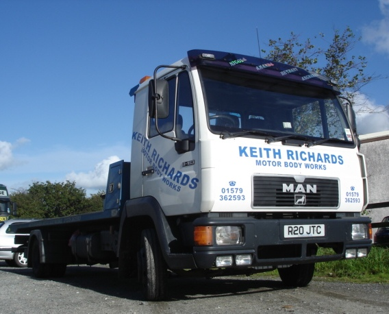 K_RICHARDS_-_RECOVERY_LORRY.jpg